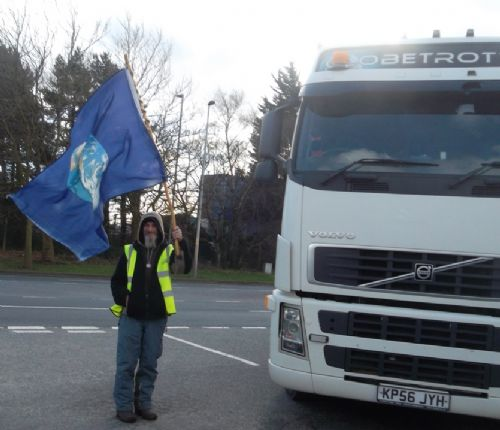 Click to view BARTON MOSS IGAS LORRY BLOCKADE VICTORY