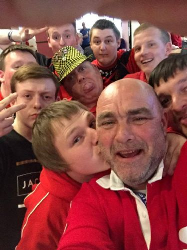 Click to view Salford Red Devils fans at St Helens